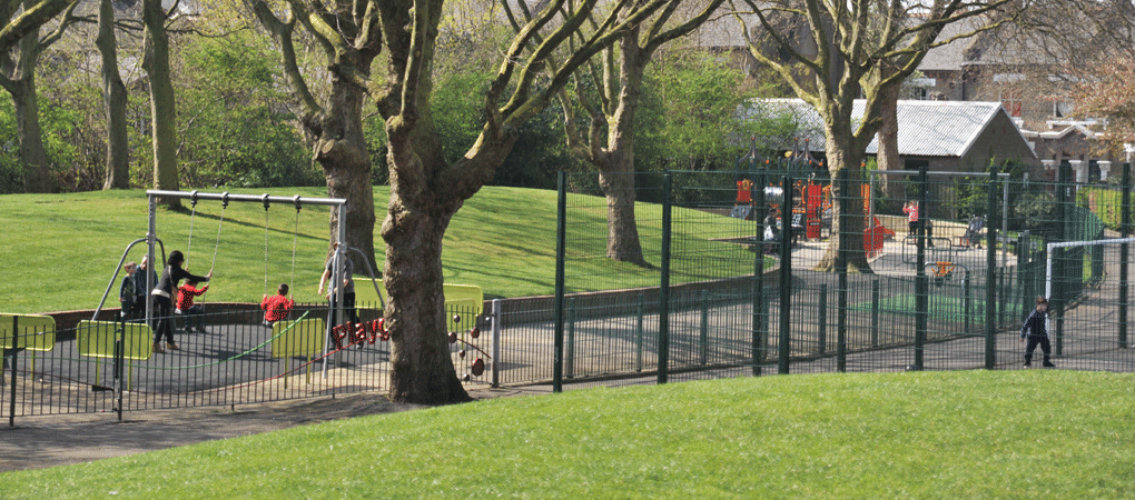 Queens_park_gardens.png